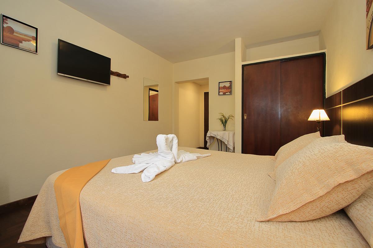 http://www.hotelsierralago.com.ar/wp-content/uploads//2021/02/HF6A2569.jpg